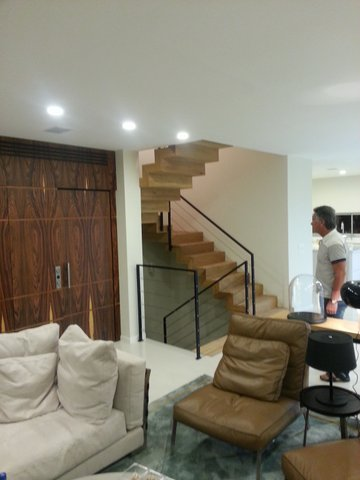 מדרגות עץ מפרקט טבעי