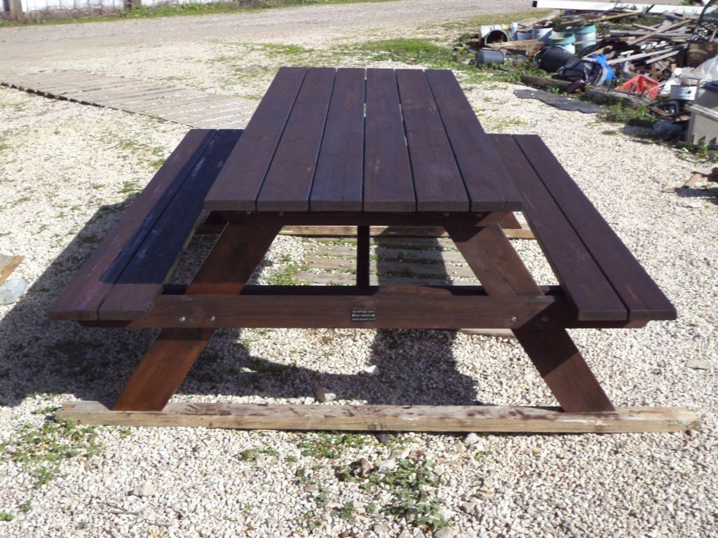 שולחן פיקניק גדול