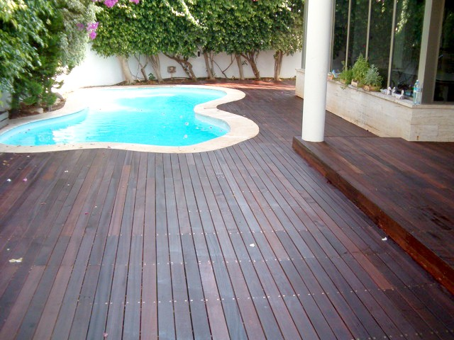 deck_above_pool